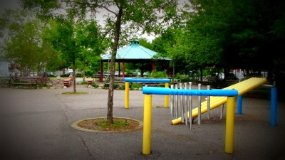 jennifer_playground_3_400